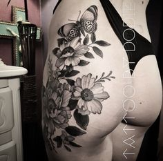 Dodie Tattoo, Giant Sunflower, Giant Flowers, Tattoo Designs For Women, Back Tattoo, White Ink, Art Quotes, Tatoos, Tatting