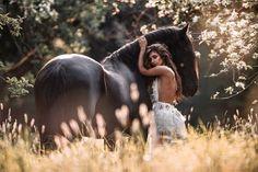 Photo by Alexandra Evang 🐻+👁+👫+📷=❤️ in Düsseldorf, Germany with and Bild könnte enthalten: 2 Personen, im Freien und Natur Horse Girl Photography, Equine Photography, Graduation Photoshoot, Friesian, Horse Photos, Beautiful Creatures, Equestrian, Pony, Wildlife