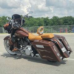 """Follow """"HD Tourers and Baggers"""" on Instagram Facebook Twitter Flickr & Tumblr.  #Repost @byrdcoopcustoms"""