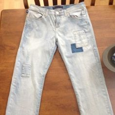 *sale* Rock and republic faded distressed jeans Great condition, size 4, very light blue, cute design worn very few times Rock & Republic Pants