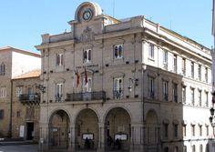 Notre Dame, Spain, Multi Story Building, Travel, City, Monuments, Museums, Viajes, Sevilla Spain