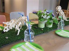 dinosaur party - Find more Dinosaur Birthday ideas at http://www.birthdayinabox.com/party-ideas/guides.asp?bgs=16