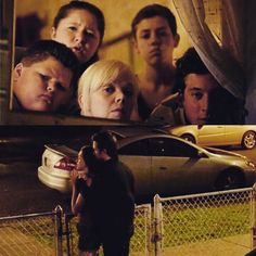 """Despite the Gallavich drama, this made me laughed so hard. Haha! ""Hot. Very hot.."" - Sammi. Lol =))) #shamelessus #shameless #sho_shameless…"""