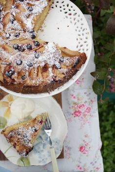 Family-friendly recipes and snippets of family life from an Irish kitchen. Bramley Apple Recipes, Single Layer Cakes, Blueberry Cake, Family Kitchen, Summer Treats, Creative Food, How To Make Cake, Cake Recipes, Family Life