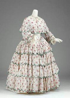 1858 dress via The Museum of Fine Arts, Boston