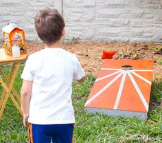 27 Best DIY Backyard Games Ideas and Designs for 2021 Diy Projects For Kids, Backyard Projects, Diy For Kids, Cornhole Lights, Diy Cornhole Boards, Diy Paper Bag, Elephant Crafts, Felt Baby, Summer Diy