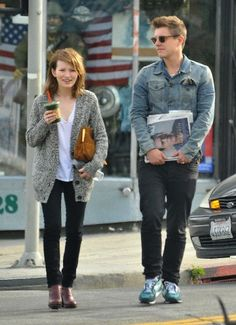 Emily Browning in Still dating her Boyfriend Xavier Samuel? Does Emily Browning have tattoos? Emily Browning, Xavier Samuel, We Wear, How To Wear, Fashion Couple, Oversized Cardigan, Couples In Love, Her Style, Actors & Actresses