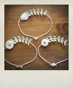 Lovely bracelet of fleabane and bachelor's button.  Arms yuan to the season from…