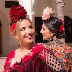 💃🌸Nueva Colección Flamenca 2018 de #BlancoAzahar. Colección de #FloresÚnicas acompañadas de #peinecillos de #FlordeJazmín destacando los… Coral, Fashion, Hydrangea Corsage, Orange Blossom, Carnations, New Trends, Flamingo, Red, Moda
