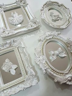 Quadros resina Shabby Chic Frames, Shabby Chic Decor, Box Frames, Frames On Wall, Baby Crafts, Diy And Crafts, Picture Frame Crafts, Shaby Chic, Flower Phone Wallpaper