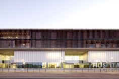 Gallery - La Florida Metropolitan Hospital Clinic / BBATS Consulting & Projects SLP + MURTINHO+RABY arquitectos - 1