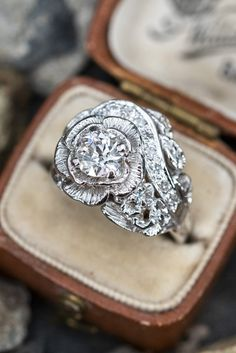 Floral Motif, Floral Design, European Cut Diamonds, Vintage Engagement Rings, Cocktail Rings, Vintage Floral, Timeless Fashion, Diamond Cuts, White Gold