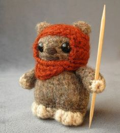This is the cutest thing EVER Ravelry: Ewok - Star Wars Mini Amigurumi pattern by Lucy Ravenscar Mini Amigurumi, Crochet Amigurumi, Crochet Beanie, Star Wars Crochet, Crochet Stars, Crochet Roses, Crocheted Flowers, Free Crochet, Figurine Star Wars