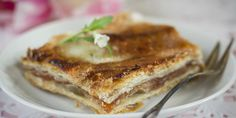 Perinteiset omenaleivokset | Myllyn Paras voi nykyään valmistaa valmisvoitaikinasta - mutta maku on kuin silloin ennen. Lasagna, French Toast, Food And Drink, Baking, Breakfast, Ethnic Recipes, Morning Coffee, Bakken, Backen