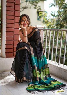 Mercerized Cotton Jamdani with Resham Threadwork – Amrapali Boutique Indian Fashion Dresses, Dress Indian Style, Indian Wear, Indian Outfits, Indian Photoshoot, Saree Photoshoot, Girl Photo Poses, Girl Poses, Sarees For Girls