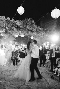 The first dance at a destination wedding in Italy (Photo: Kate Headley)