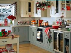 Simple Christmas decorating ideas for kitchen