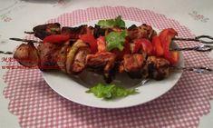 Frigarui de porc marinate cu legume
