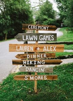 11 Ideas That Will Transform Your Backyard Into The Best Wedding Ever - Handmade direction wooden signs for a woodsy wedding