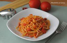 Spaghetti con pancetta e pomodoro fresco