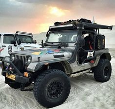 "jeepbeef: ""#SundayFunday www.jeepbeef.com @hussain_sheibani _________ #jeepbeef #jeep #YJ """