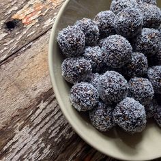 Salted carob bliss balls. Date free alternative :)