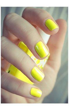 Ongles jaunes ;)