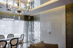 Elegancki apartament w Gdyni zaprojektowany w komitywie trzech stylów: glamour, nowowczesny i klasyczny. Wnętrze zachwyca różnorodnością materiałów, struktur, kolorów. Wszystko  ...