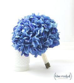 Ideas Bridal Bouquet Blue Hydrangea Bridesmaid For 2019 Blue Hydrangea Wedding, Hydrangea Bridal Bouquet, Vintage Bridal Bouquet, Bridal Bouquet Fall, Blue Bouquet, Diy Wedding Flowers, Bridal Flowers, Flower Bouquet Wedding, Silk Hydrangea