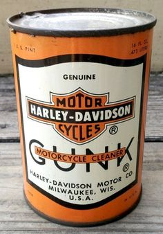 Vintage Harley Davidson Gunk Motorcycle Cleaner Motor Oil 1 U. Pint Can Harley Davidson Oil, Harley Davidson History, Motor Harley Davidson Cycles, Vintage Harley Davidson, Harley Davidson Motorcycles, Motorcycle Cleaner, Motorcycle Garage, Truck Lettering, Vintage Gas Pumps