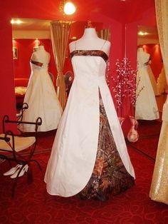 Unique Wedding Dresses | Unique Camo Wedding Dresses with green dominant color 5