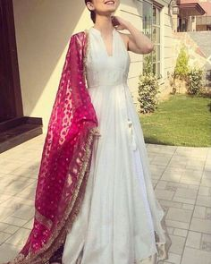 Indian designer outfits - Designer gown Get the outfit for Manufacturer rate call or WhatsApp at Reposted Via @ ethnic world Indian Wedding Outfits, Pakistani Outfits, Indian Outfits, Dress Wedding, Party Wear Indian Dresses, Indian Gowns Dresses, Indian Attire, Indian Ethnic Wear, Ethnic Dress