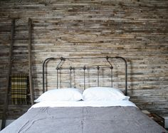 This headboard. Yes, entirely this.