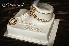 Tortenkrümel: Torte zur Beschneidung Baby Batman, Surprise Cake, Marzipan, Wedding Invitation Cards, Creative Food, Butter Dish, Dessert, Cake Designs, Piercing