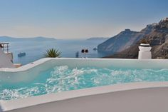 Not sure, where to stay in Santorini? Check these 10 stunning hotels and find the best place to stay in Santorini for your romantic getaway! Amazing Hotels, Best Hotels, Hotels In Santorini Greece, Dana Villas, Best Greek Islands, Greece Travel, Greece Trip, Next Holiday, Romantic Getaways