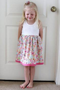 Girl's Tank Dress Just thinking I needed to try this out - tutorial and all! Bet I could make it for all 3 girls too.Just thinking I needed to try this out - tutorial and all! Bet I could make it for all 3 girls too. Little Girl Dresses, Little Girls, Girls Dresses, Flower Girl Dresses, Pageant Dresses, Tank Top Dress, Tank Girl, Diy Dress, Diy For Girls