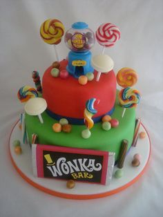 Wonka Golden Ticket Party - What a fantastic looking Wonka Cake ...