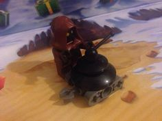 Jawa Minifig and LIN Demolitionmech  (Lego Star Wars Advent Calendar 2015 Day 3 + 4)
