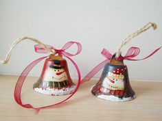 Snowmen bells blue  red metal bells