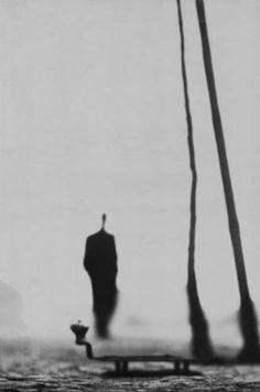 Just wonderful. What a shot! By Josef Koudelka of Magnum Photos Vintage Photography, Fine Art Photography, Street Photography, Photography Hacks, Photography Website, Urban Photography, Photography Business, Digital Photography, Fashion Photography