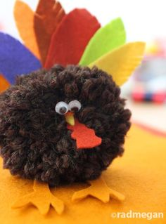 Crazy cute pom pom turkey. With tutorial.