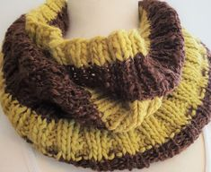 Hand knitted cowl in chocolate and lime by Ebooksandhandmade on Etsy Knit Cowl, Hand Knitting, Lime, Hands, Wool, Chocolate, Handmade, Etsy, Accessories