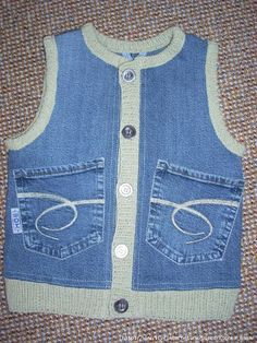 This Pin was discovered by Ayş Remake Clothes, Sewing Clothes, Diy Clothes, Jean Crafts, Denim Crafts, Artisanats Denim, Jean Diy, Cycling T Shirts, Mode Jeans