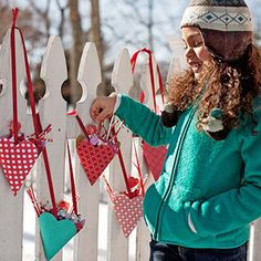 Heart-shaped goody bags ( #free template) #Valentine's Day
