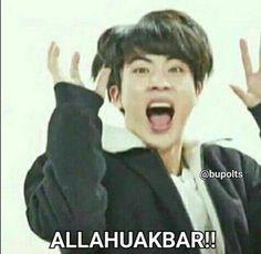 CrazyFamily✔ - d u a e m p a t - Halaman 2 - Wattpad Bts Meme Faces, Memes Funny Faces, Flipagram Video, Quotes Drama Korea, Bts Playlist, K Meme, Text Jokes, Bts Memes Hilarious, Cute Love Memes