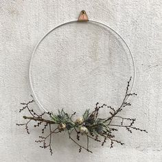 Moody, Elegant and Minimal Easter Inspiration from Danish Brand Lyngby Porcelain Diy Spring Wreath, Diy Wreath, Easter Celebration, Easter Wreaths, How To Make Wreaths, Wreaths For Front Door, Seasonal Decor, Christmas Diy, Diy And Crafts