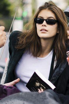 Kaia Gerber's Six Best Street-Style Looks - Kaia Gerber Street Style Basic Fashion, Fashion Tips For Women, Look Fashion, Autumn Fashion, Petite Fashion, Look Street Style, Jeans Boyfriend, Vogue, Models Off Duty