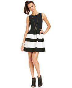 diy inspiration- wide black and white striped skirt Junior Outfits, Junior Dresses, Short Dresses, Dress Bar, Party Dress, Black White Striped Dress, White Dress, Review Dresses, Fit Flare Dress