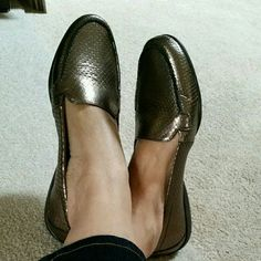 """FINAL PRICE "" easy spirit flat shoes in Bronze Perfect condition  No stain or rip  Like new  Worn twice  Clean in and out Leather upper  Textile lining Easy Spirit Shoes Flats & Loafers"