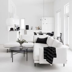 270 Best Black and White Interior Design images White Interior, Minimalism Interior, Living Dining Room, Monochrome Interior, Home And Living, Living Room Designs, Black And White Living Room, House Interior, White Decor